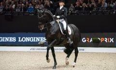 Jessica von Bredow-Werndl und Unee BB beim Weltcupfinale in Paris. (Foto: Stefan Lafrentz)