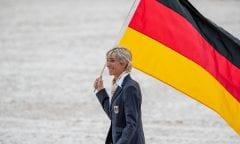 Ingrid Klimke als Fahnenträgerin für Deutschland bei den Weltreiterspielen in Tryon, USA. Foto © www.sportfotos-lafrentz.de/Stefan Lafrentz