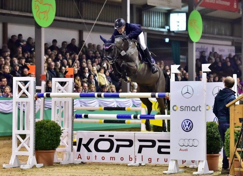 Hendrik Dowe aus Heiden und Con Touch - 2015  gewann das Paar den Großen Preis in Gahlen. (Foto: Große-Feldhaus)