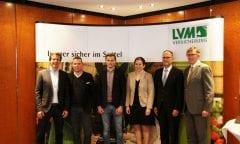 v.l.n.r. Oliver Schulze Brüning (Reiterverband Münster), Markus Brinkmann (Springreiter), Lars Schulze Sutthoff (Dressurreiter), Johanna Marheineke (LVM), Heinz Gressel (LVM), Dr. Kaspar Funke (ESCON-Marketing GmbH)                     Foto: Lena Hoffmann