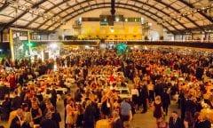 Die Holstenhallen verwandeln sich am 26. Januar in ein großes Ballhaus. Zum 20. Mal wird dort der Ball der Pferdefreunde gefeiert. (Foto: Archiv/ Köster)