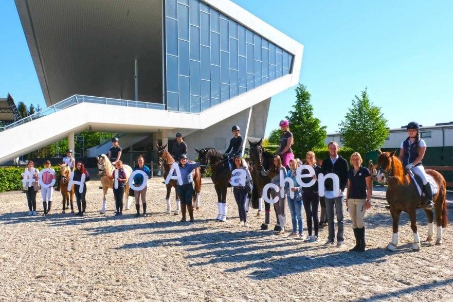 Das Foto zeigt das erste Bloggertreffen im Vorjahr. Das Bild kann honorarfrei verwendet werden (Foto: CHIO Aachen/ Strauch)