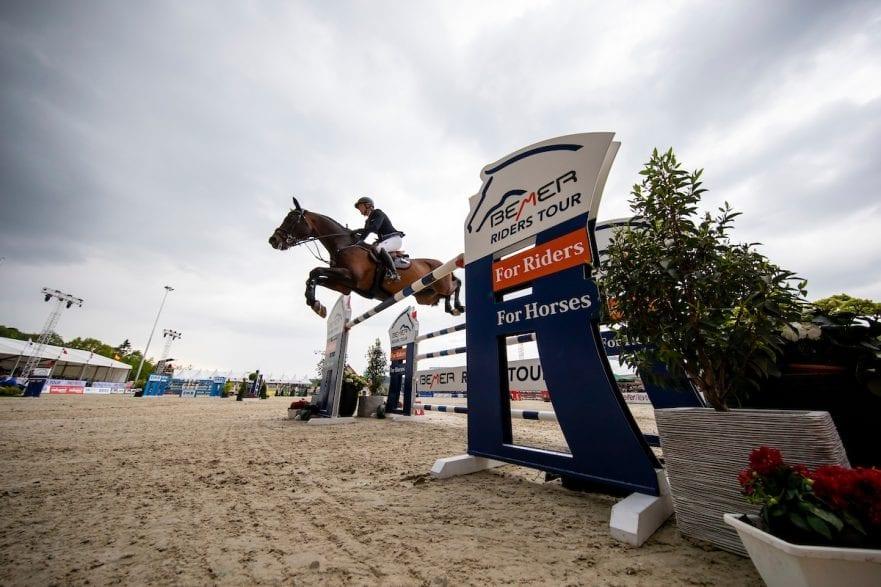 Katrin Eckermann und Caleya springen zum Sieg im Großen Preis der DKB © www.sportfotos-lafrentz.de/Stefan Lafrentz