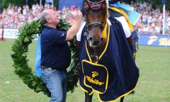 André Thieme, Fiete Biemann und Nacorde - Derbysieger 2011 in Hamburg. Ein Jahr später verabschiedete sich Nacorde von der Sportbühne. (Foto: Björn Schröder)