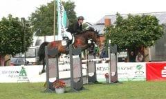 Holte sich Platz zwei mit Cedric in der Youngster-Prüfung beim Fehmarn-Pferde-Festival: Hinerk Köhlbrandt vom Fehmarnschen RRV. (Foto: Bru)