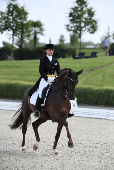 Kira Wulferding qualifiziert sich im brandenburgischen Werden mit Bonita Springs für das Finale des Nürnberger Burg-Pokals in Frankfurt (Foto: Maximilian Schreiner)