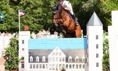 Derbysieger Nisse Lüneburg und Alina gewannen den Großen Preis der Breitenburger Reitertage. (Foto: Janne Bugtrup)
