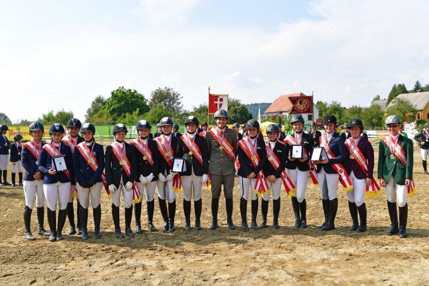 Die frisch gebackenen MeisterInnen im Reitervierkampf. Foto: © HORSIC.com