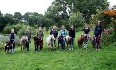 """Teilnehmerinnen des """"Pferdecamps"""" 2019, Foto: Franziska Wulfsberg"""