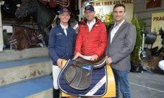 KenTauer Deutschland Vertreter Roman Bravenec mit den KenTaur-Botschaftern Felix Ewald und Andrè Thieme (Foto: Björn Schroeder)