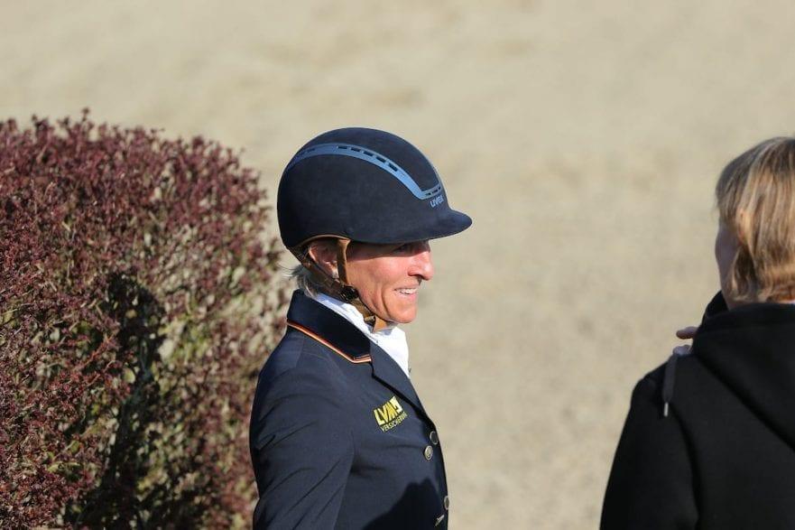 Ingrid Klimke mit Reithelm (© www.sportfotos-lafrentz.de/Stefan Lafrentz)
