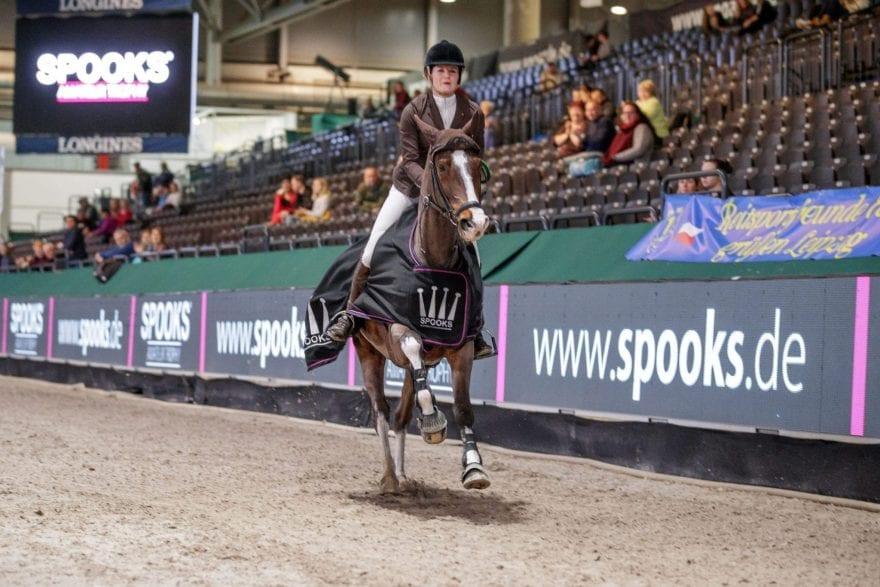 Dr. Pia Wernke gewann mit Little Crazy Jumper das inale der Large-Tour.   Foto: Sportfotos-Lafrentz.de