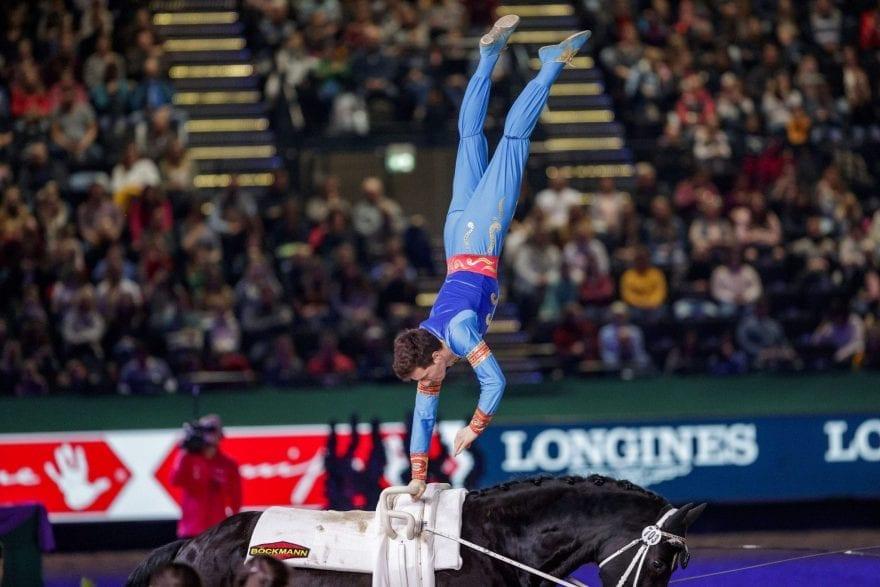 Jannik Heiland gewinnt den FEI TOP INdoor Vaulting Master der Herren.  Foto: Sportfotos-Lafrentz.de