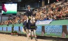 Magdalena Schäfer gewinnt mit Kandela das Finale im Eggersmann Junior Cup auf der PARTNER PFERD. Foto: Thomas Hellmann