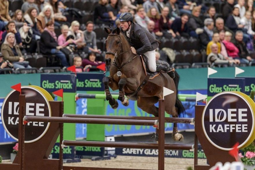Sieg mit dem ältesten Pferd im Teilnehmerfeld: Jan Wernke mit Queen Mary  Foto: Sportfotos-Lafrentz.de
