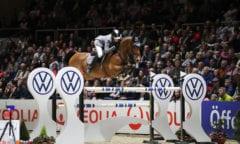 Eoin Mcmahon (IRL) gewinnt mit Chacon den Großen Preis der Volkswagen AG vor voll besetzten Plätzen. Foto: Andreas Pantel - acp-fotografie-pantel.de