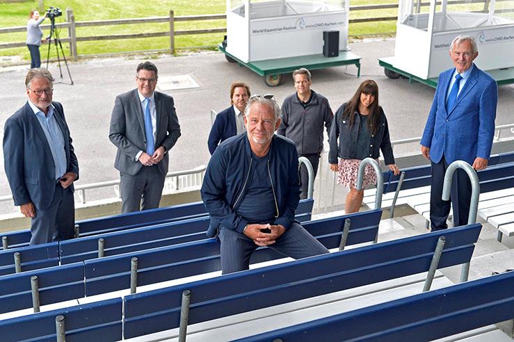 Sie stellten das Konzept im Hauptstadion des CHIO Aachen vor (v.l.): Frank Kemperman, Dr. Tim Grüttemeier, Gero Körner, Uwe Brandt, Martin Theißen (eventac Veranstaltungstechnik), Marga Render und Carl Meulenbergh. (Foto: CHIO Aachen/ Holger Schupp)