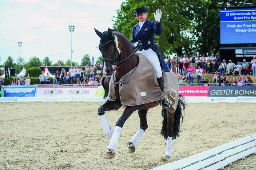 Gern gesehene Gäste in Verden - Dorothee Schneider und ihr Faustus - hier im Grand Prix Special in Verden. (Foto: LL-Foto)