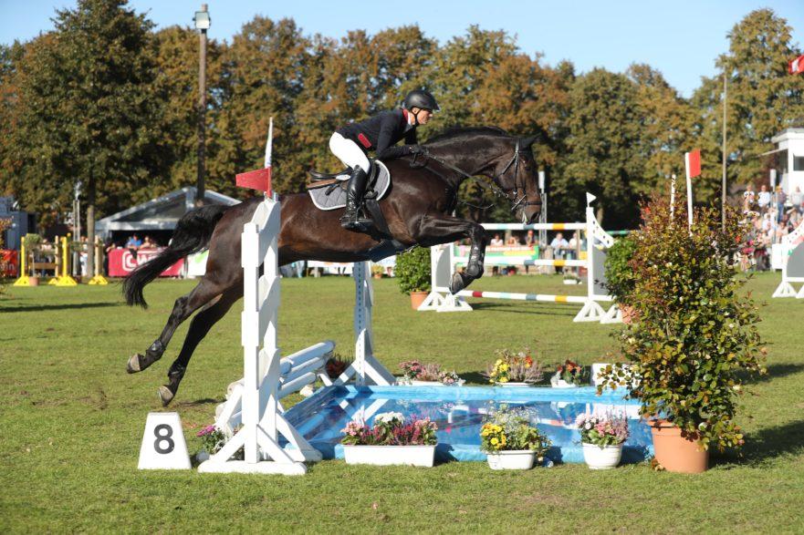 Höher, schneller, weiter – Landesmeisterschaften Springen in Bad Segeberg