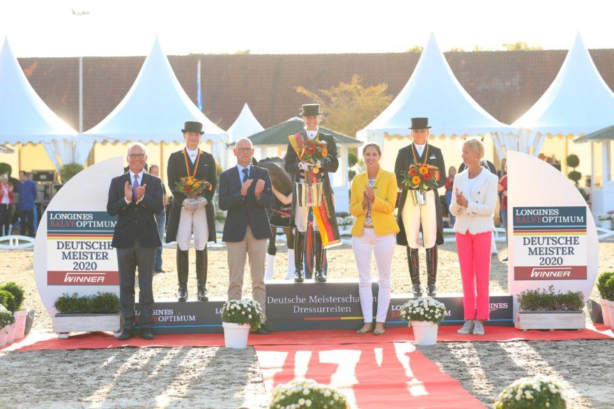 Jessica von Bredow-Werndl gewinnt die Deutschen Meisterschaften (Foto: Jacques Toffi)