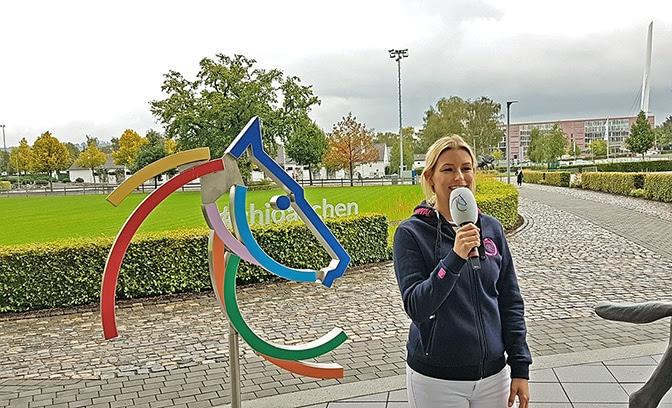 Moderatorin Annica Hansen.