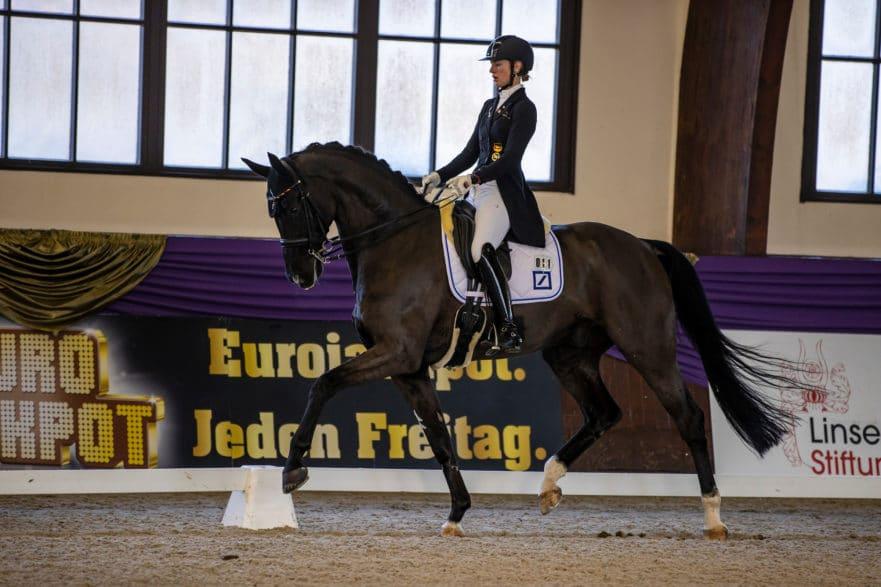 Europameisterin Ann-Kathrin Lindner wurde ihrer Favoritenrolle mit FBW Sunfire zum Auftakt der Piaff-Förderpreis-Finales gerecht. (Foto: Stefan Lafrentz)