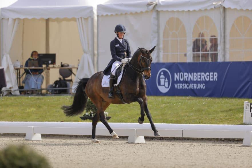 Doppelsieg für Helen Langehanenberg im NÜRNBERGER BURG-POKAL 2021 bei Horses & Dreams in Hagen (Foto Stefan Lafrentz)