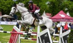 Dominique Weber mit Chasseur en blanc siegte im CSI2* bei der Pferd International München 2021. Foto: Ursula Puschak