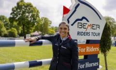 Alexa Stais - Südafrikanerin mit Wohnsitz in Niedersachsen - ist aktuell die beste Amazone in der BEMER Riders Tour und erobert an diesem Wochenende München. (Foto: Stefan Lafrentz)