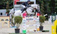 Zwei Pferde im Stechen - mit Colombo gewonnen, mit Clooney Dritter - Peter Jakob Thomsen gewann den Großen Preis in Schnarup Thumby. (Foto: ACP Andreas Pantel)
