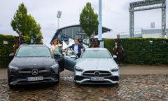 Stefanie Peters, Matthias Hindemith und im Hintergrund einige der Aachener Stadtreiter Foto- CHIO Aachen: Michael Strauch