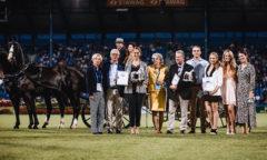 Die Jury sowie die Preisträger des Silbernen Pferdes 2021- (v.l.n.r.) Nadine Capellmann, Wolfgang Brinkmann, Astrid Appels, Dr. Ute Gräfin Rothkirch, Carsten Sostmeier, Alexander Buchholtz, Michelle Buchholtz, Leonie Merheim und Tina Srowig Foto- CHIO Aachen/ Franziska Sack