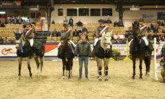 Jörg Carstensen (mi.) und das Team Knutzen gewannen bei SH Holstein International die Gesamtwertung des Jugend-Team-Cups Schleswig-Holstein. (Foto: Tierfotografie Huber)